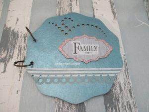 Scrapbooking avec un Album Famille